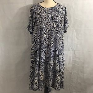 Maxi dress NWT Size 2X knotted  sleeves
